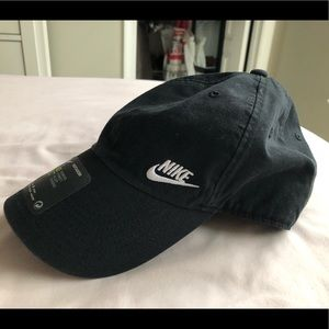 Women's Nike Hat - New with tags